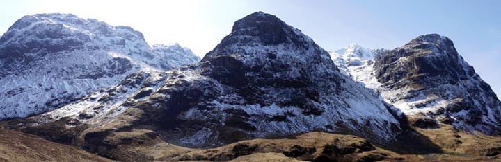 The Three Sisters of Beinn Fhada (left), Gearr Aonach and Aonach Dubh (right). The Lost Valley is on the left and Coire nan Lochan on the right with Stob Coire nan Lochan visible.