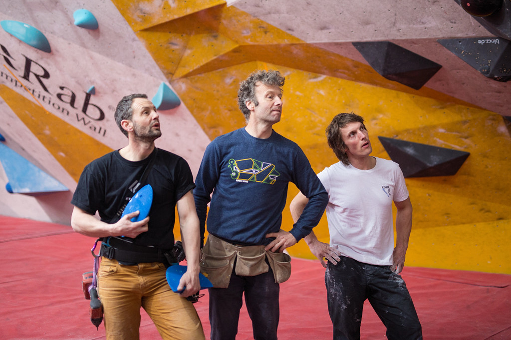 Percy Bishton (centre) setting at CWIF. Photo Band of Birds