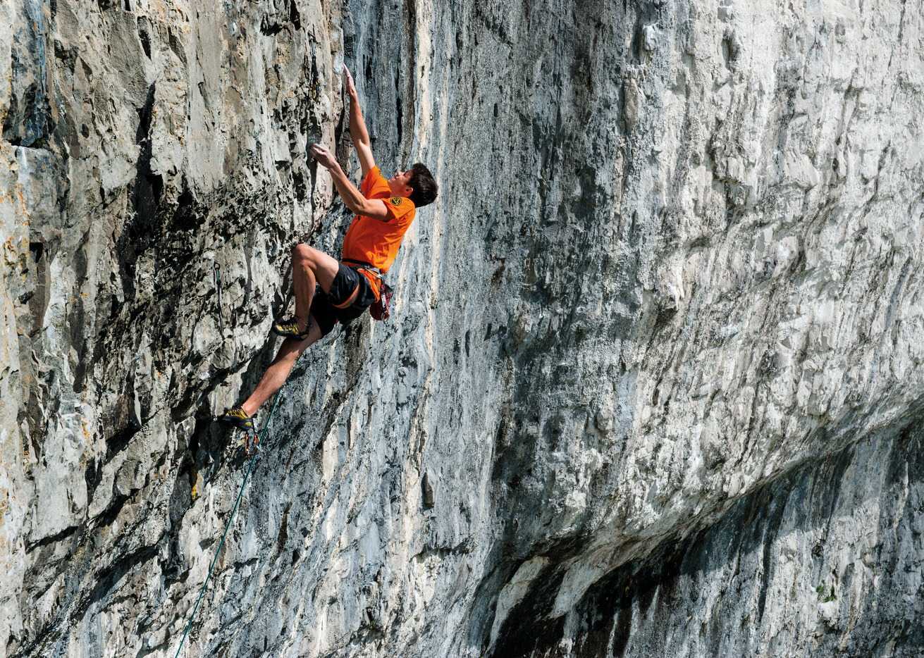 Buster Martin repeating Bat Route (F8c), aged 16, in 2013. Photo: Keith Sharples