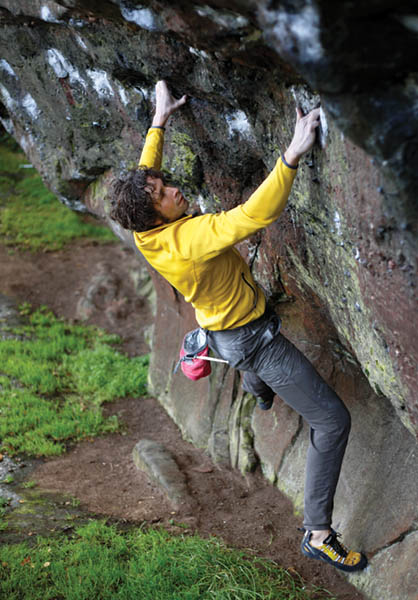 Andi Turner on the sustained Wright's Traverse (Font 7b), Churnet Valley. Photo: © David Simmonite
