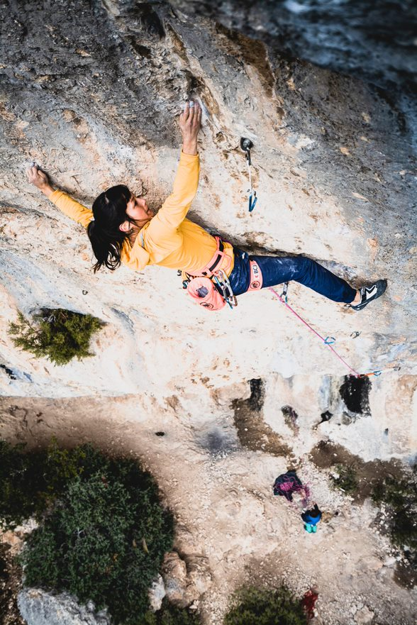 Katherine Choong on La Ligne Claire (F8c+) at St-Léger. Photo: Hugo Vincent