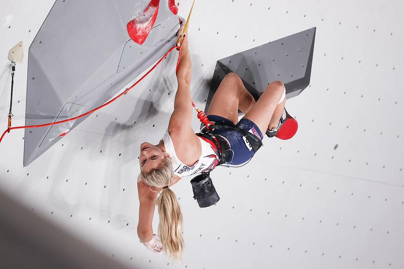 Shauna Coxsey in the lead comp. Photo: © Dimitris Tosidis/IFSC